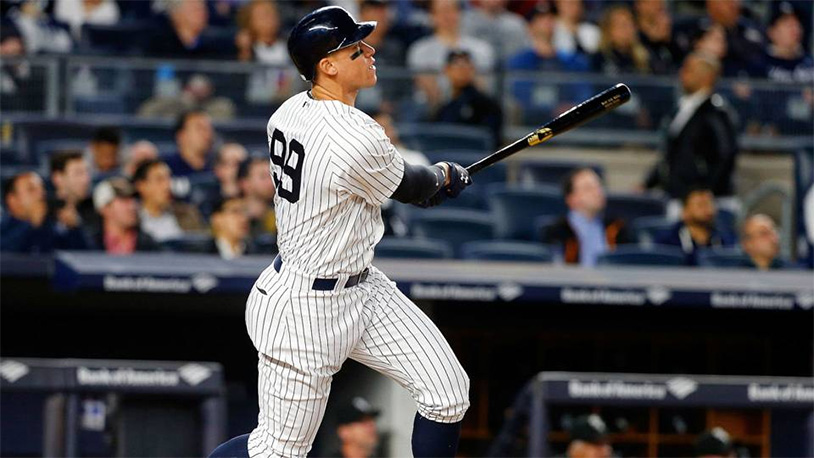 the best attitude 707ee a7952 Aaron Judge Slams A Homer Off The Roof Of Marlins ParkThe ...
