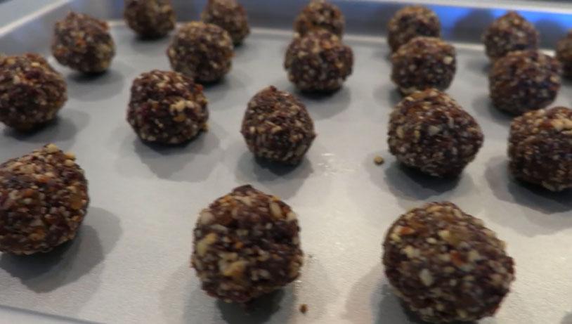 No-Bake Vegan Cannabliss Balls