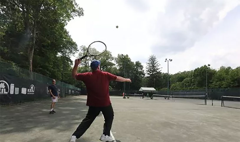 Professor Tennis Uses Balls To Teach Physics