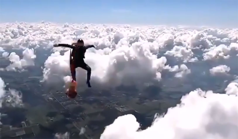 Watch Two Skydivers Play Catch In Mid-Air