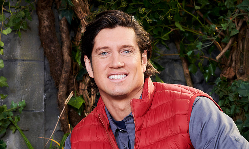 Deer Testicles Are A Rough Meal For Vernon Kay